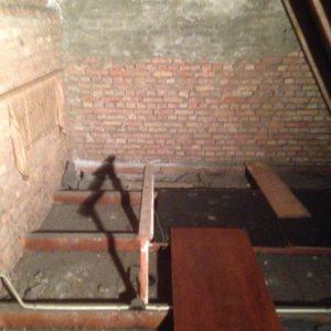 Een van de twee onderduikplaatsen naast het orgel. Foto 4 mei 2016.